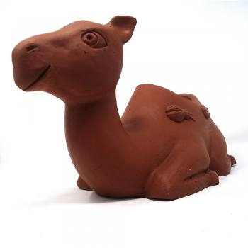 Camel shaped pot